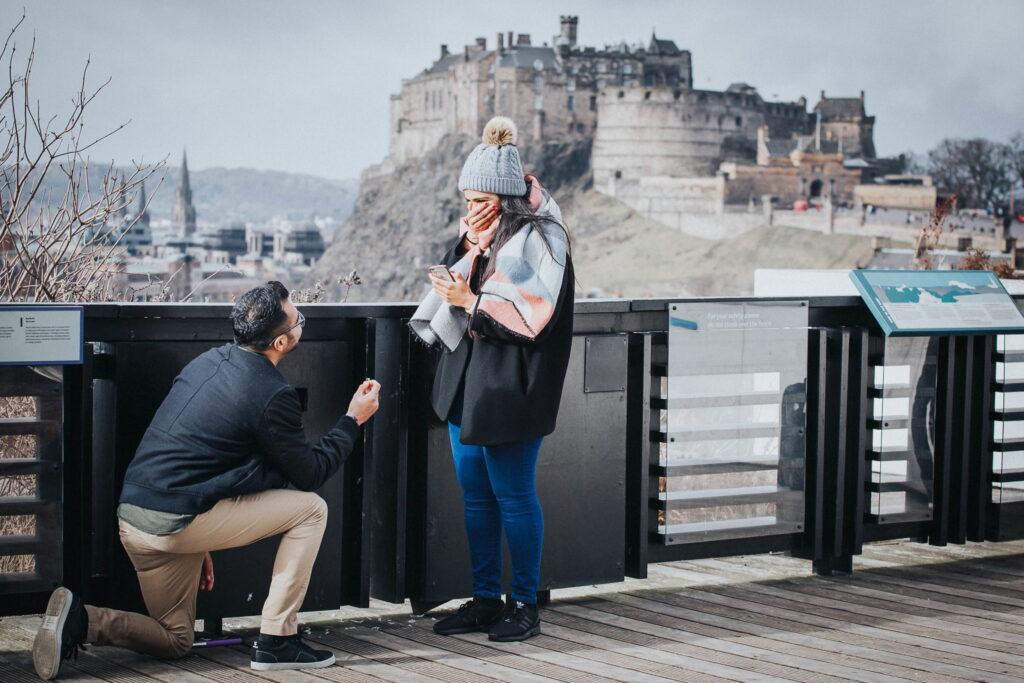Surprise proposal Edinburgh castle